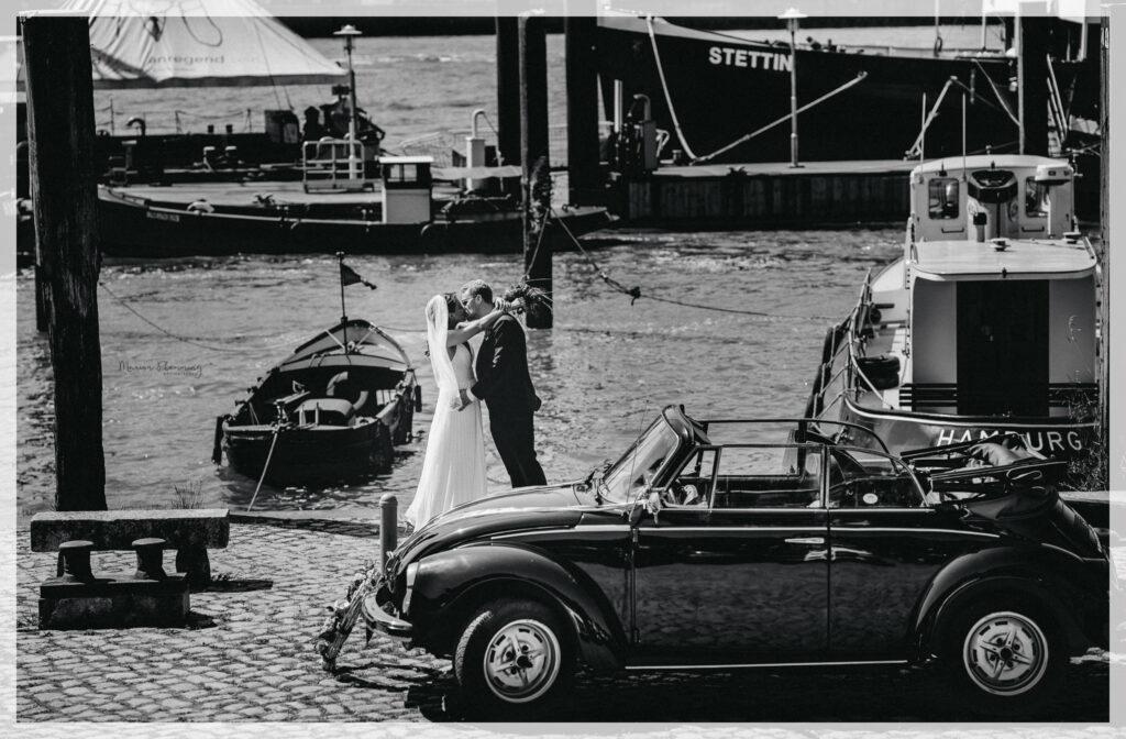Hochzeitsauto, Brautpaar, Reportage, Hamburg, Marion Flemming Fotografie